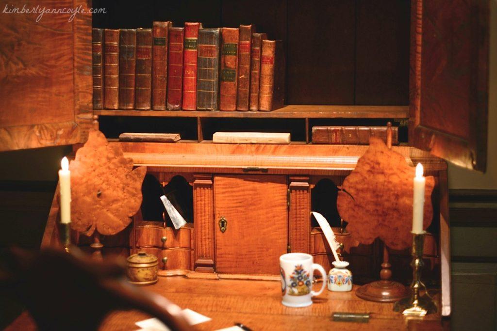 writing desk via kimberlyanncoyle.com