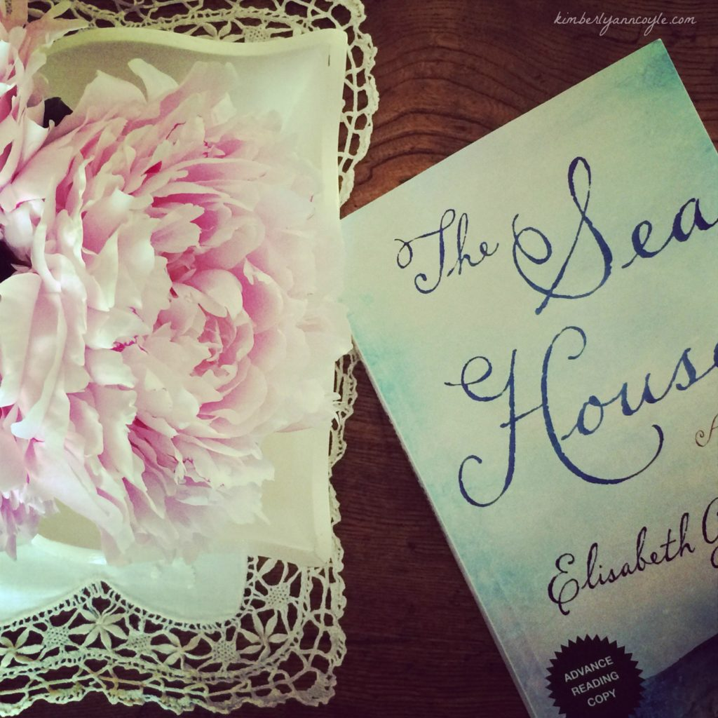 the sea house via kimberlyanncoyle.com