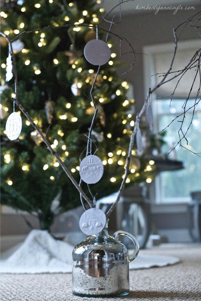 jesse tree via kimberlyanncoyle.com