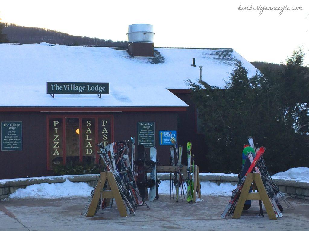 ski via kimberlyanncoyle.com